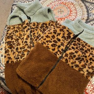 Mommy and me cheetah print vests